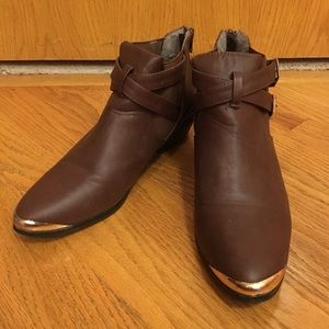Brown buckled booties in size 7